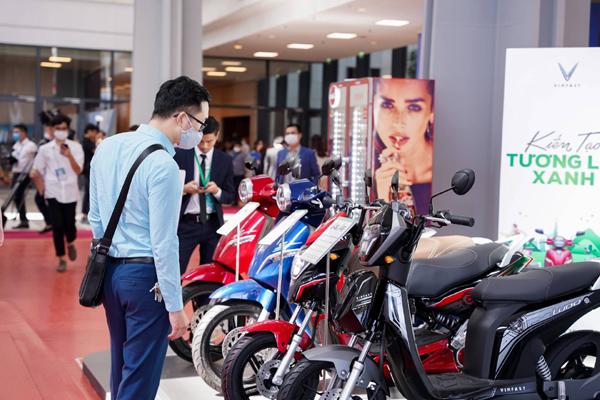 Xe máy điện VinFast gây chú ý ở Diễn đàn cao cấp Đô thị thông minh ASEAN 2020-2