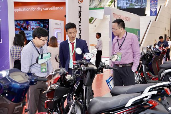 Xe máy điện VinFast gây chú ý ở Diễn đàn cao cấp Đô thị thông minh ASEAN 2020-8