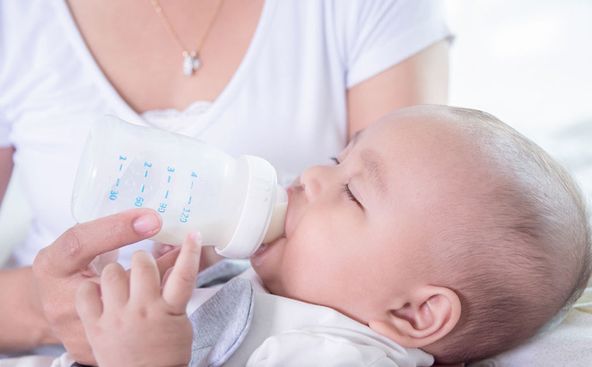 Toàn cảnh vụ bình pha sữa giải phóng hàng triệu hạt vi nhựa, khiến nhiều bố mẹ rụng rời chân tay-1