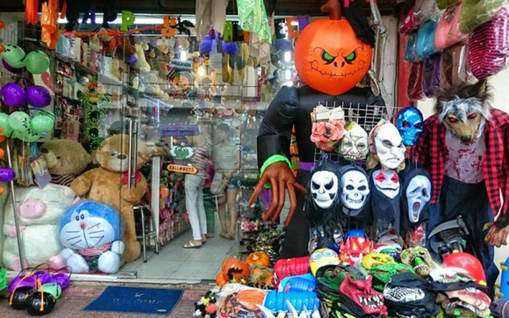 Thị trường đồ hóa trang Halloween 2020 sôi động bất chấp Covid-19-2
