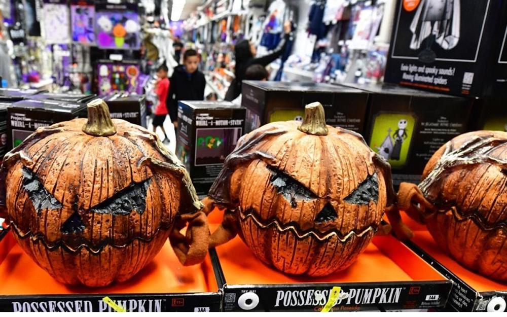 Thị trường đồ hóa trang Halloween 2020 sôi động bất chấp Covid-19-7