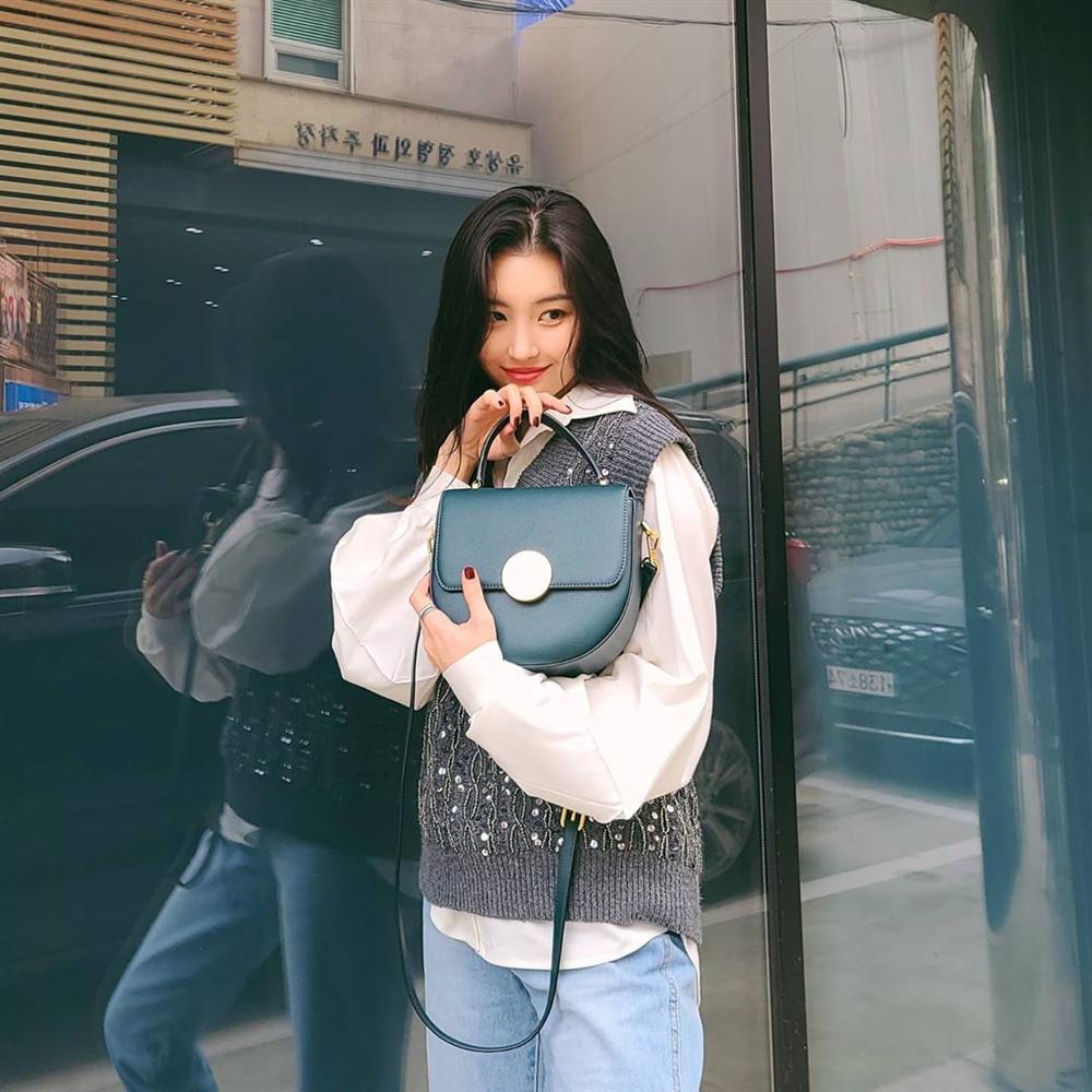 """Bắt chước sao Hàn sắm 4 items sau, style mùa lạnh của bạn sẽ lên như diều gặp gió"""" chứ không thường thường như trước nữa-3"""