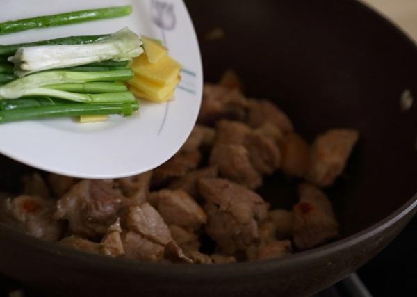 Thịt lợn kho với thứ này bổ hơn cả nhân sâm, ăn vào tốn cơm đến lạ, cả người già trẻ nhỏ đều mê-4