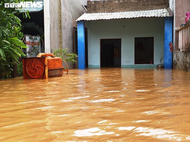 Bão số 9 giật cấp 15: Đà Nẵng di dời dân trước 15h ngày 27/10, học sinh nghỉ học-2