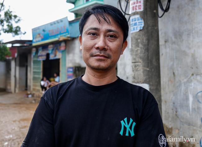 Anh hùng chân đất cứu 100 người trong trận đại hồng thủy lịch sử ở Quảng Bình: Ngày nhịn đói đi cứu người, đêm về ông cháu ôm nhau ngủ trên thuyền tránh lũ-7