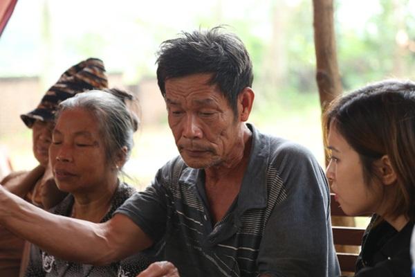 Người dân chặn xe vào bãi rác Nam Sơn: Mấy chục năm nay chúng tôi đã quá khổ rồi, ruồi nhặng nhiều khiến có hôm phải chui vào màn ăn cơm-7