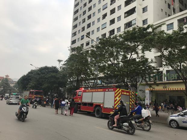 Hà Nội: Cháy lớn tại chung cư HH Linh Đàm, hàng nghìn người hoảng sợ tháo chạy vào sáng sớm-2