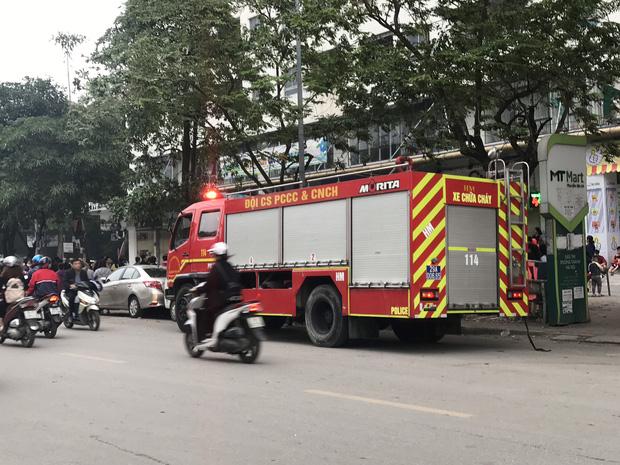 Hà Nội: Cháy lớn tại chung cư HH Linh Đàm, hàng nghìn người hoảng sợ tháo chạy vào sáng sớm-3