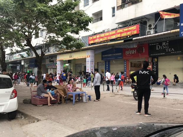 Hà Nội: Cháy lớn tại chung cư HH Linh Đàm, hàng nghìn người hoảng sợ tháo chạy vào sáng sớm-13