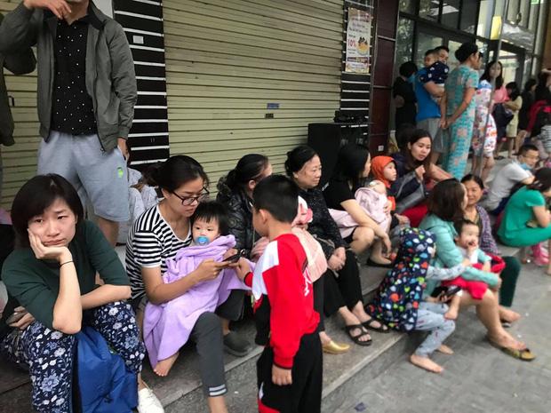 Hà Nội: Cháy lớn tại chung cư HH Linh Đàm, hàng nghìn người hoảng sợ tháo chạy vào sáng sớm-9