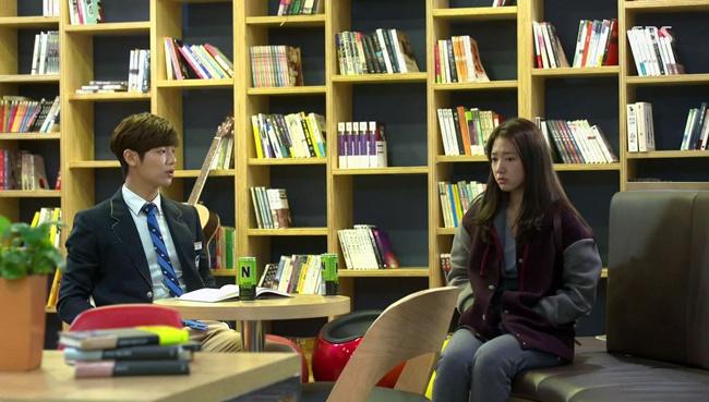 Son Ye Jin, Park Shin Hye đóng vai con nhà nghèo vẫn diện đồ hiệu giá 100 triệu-6