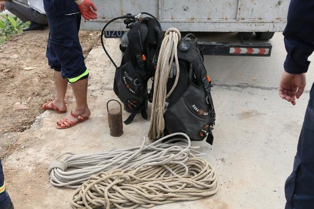 Đã tìm thấy thi thể nữ sinh Học viện Ngân Hàng dưới lòng sông Nhuệ-5
