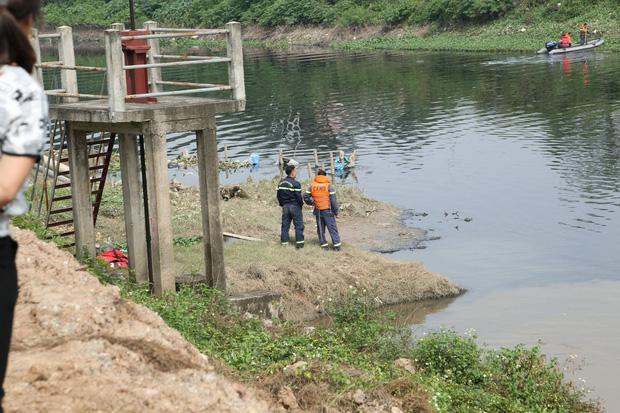 Đã tìm thấy thi thể nữ sinh Học viện Ngân Hàng dưới lòng sông Nhuệ-8