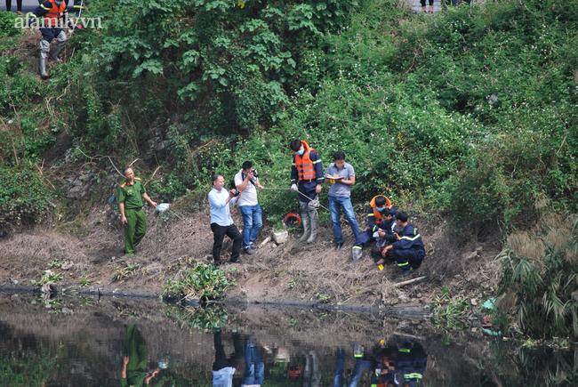 Người thân nữ sinh Học viện Ngân hàng khóc ngất tại hiện trường phát hiện thi thể-3