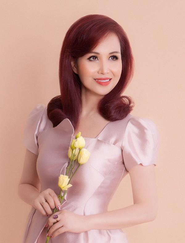 Cuộc sống sau 30 năm đăng quang của Hoa hậu Việt Nam giỏi ngoại ngữ nhất-4
