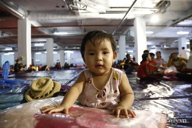 CẬN CẢNH TỪ TÂM BÃO: Hàng nghìn người dân Quảng Ngãi được sơ tán tới nơi an toàn, ưu tiên người già và trẻ nhỏ-14