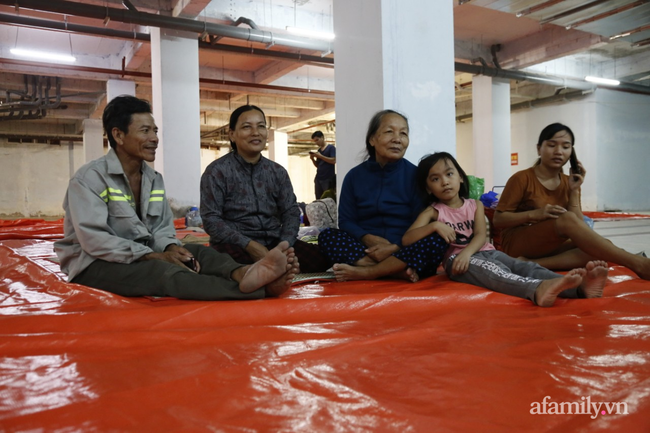 CẬN CẢNH TỪ TÂM BÃO: Hàng nghìn người dân Quảng Ngãi được sơ tán tới nơi an toàn, ưu tiên người già và trẻ nhỏ-15