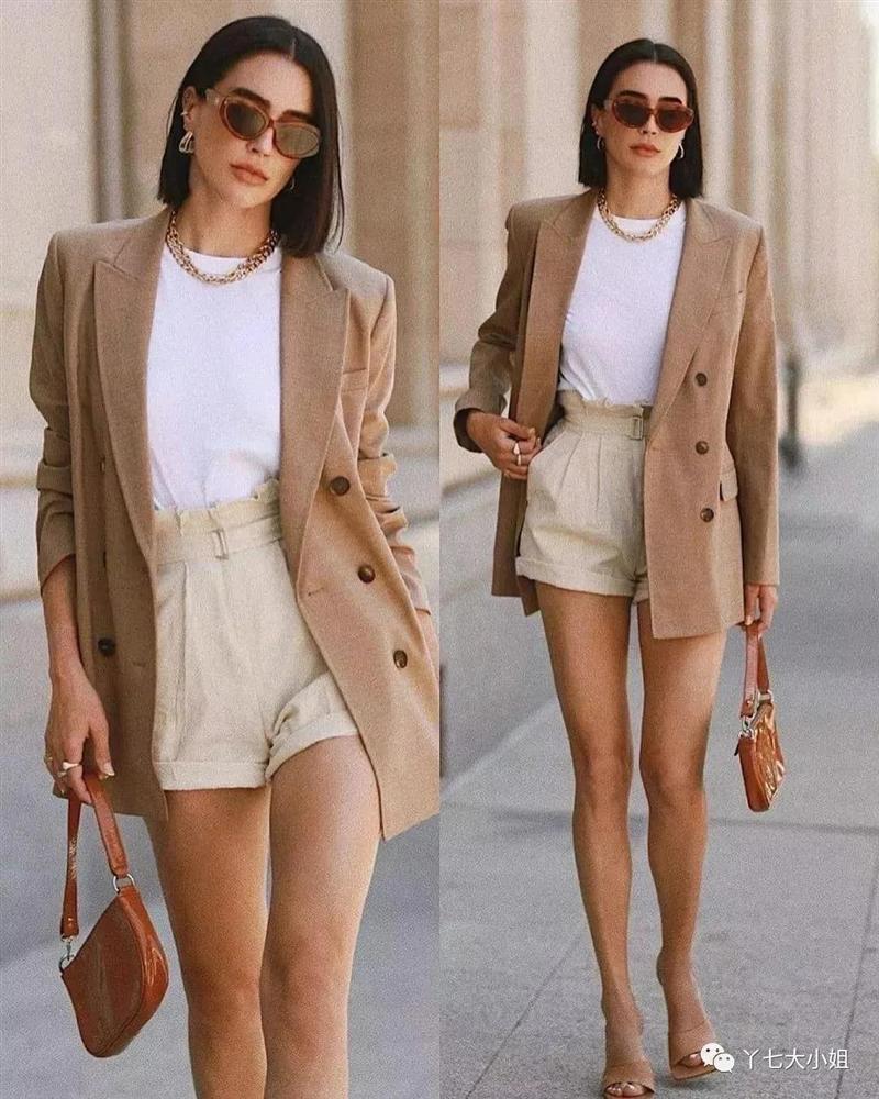 Trời se lạnh chưa biết mặc gì vừa đẹp vừa chất thì bạn hãy diện áo blazer và quần short là có ngay outfit 10 điểm-1