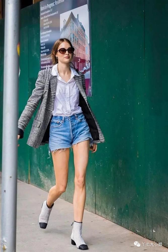 Trời se lạnh chưa biết mặc gì vừa đẹp vừa chất thì bạn hãy diện áo blazer và quần short là có ngay outfit 10 điểm-9