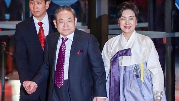 Người đàn bà quyền lực phía sau đế chế Samsung: Bóng hồng khiến cố chủ tịch Lee Kun Hee đến chết cũng không từ bỏ-3