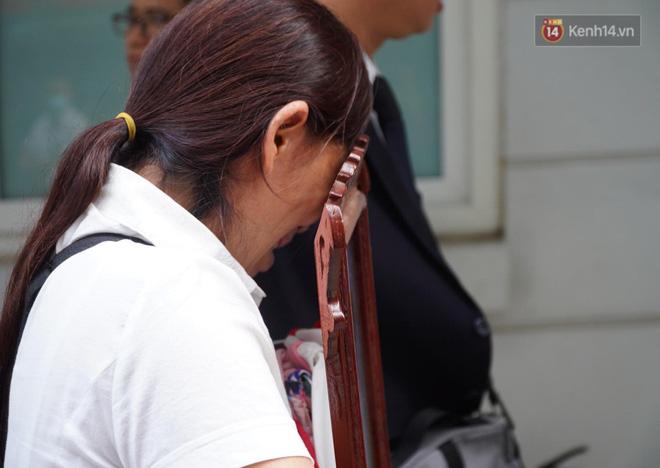 Vụ án mẹ đẻ, bố dượng bạo hành bé gái 3 tuổi tử vong: Cháu bị đối xử quá tàn nhẫn và độc ác mà tôi không hề hay biết-9