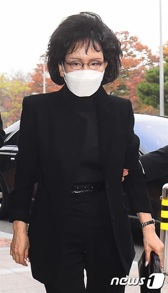 Lễ tang đưa tiễn chủ tịch Samsung về nơi an nghỉ cuối cùng: Gia quyến thất thần, chồng cũ cựu Á hậu Hàn Quốc cũng có mặt-9
