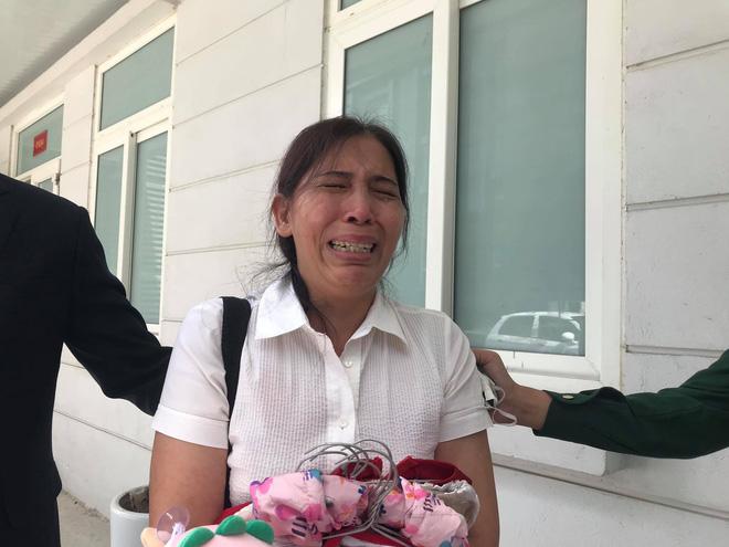 Vụ án mẹ đẻ, bố dượng bạo hành bé gái 3 tuổi tử vong: Cháu bị đối xử quá tàn nhẫn và độc ác mà tôi không hề hay biết-2