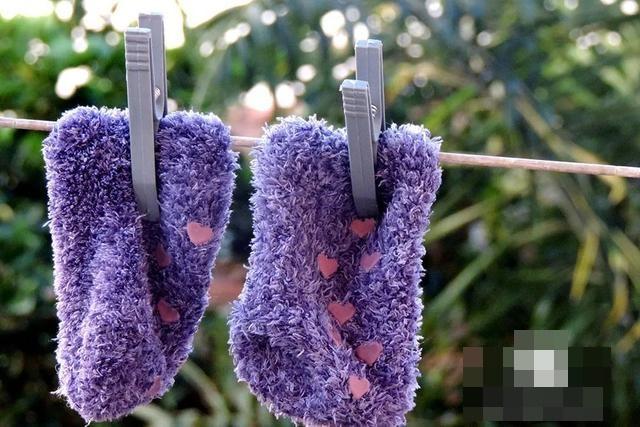 Giặt quần áo chung với tất có hợp vệ sinh không? Có bị nhiễm nấm không? Nhiều người sẽ biết mình nhầm sau khi có câu trả lời-4