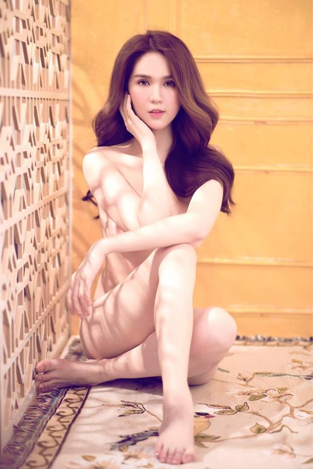 Loạt ảnh nóng được cho là của Ngọc Trinh đang bị phát tán trên mạng xã hội?-5