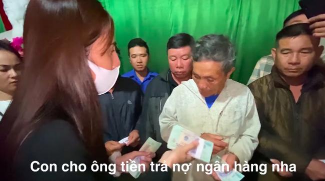 Thủy Tiên lần đầu lên tiếng về quyết định táo bạo rút 200 triệu trong tích tắc để cứu trợ cụ ông nghèo ở Hà Tĩnh, đến Công Vinh còn bất ngờ-1