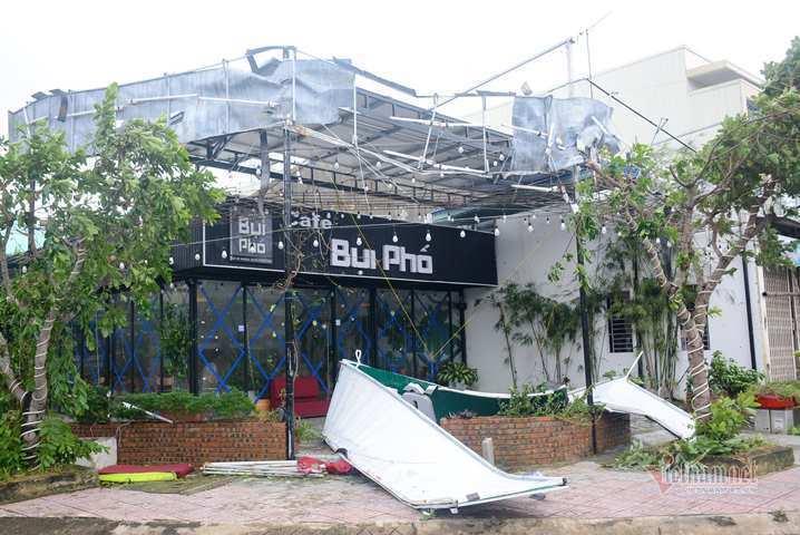 Sau bão số 9, đường phố Đà Nẵng, Quang Nam tan hoang không ngờ-2