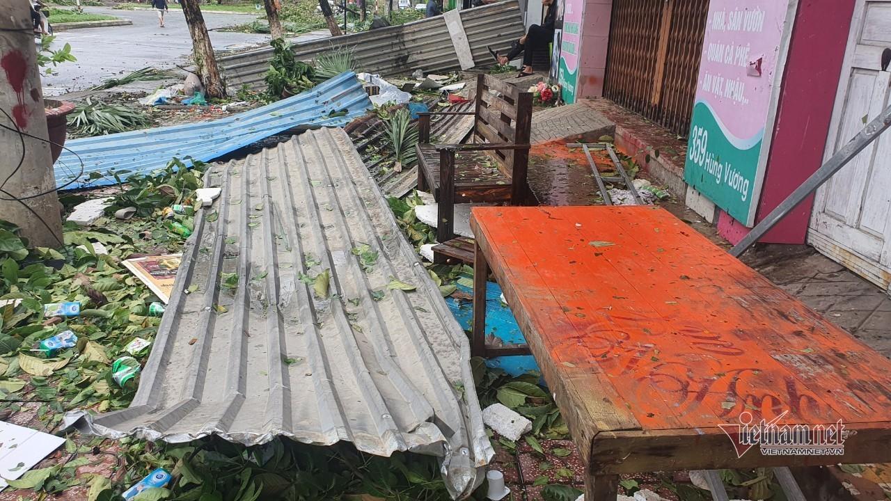 Sau bão số 9, đường phố Đà Nẵng, Quang Nam tan hoang không ngờ-9