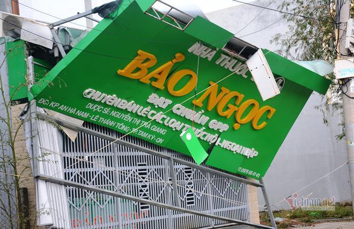 Sau bão số 9, đường phố Đà Nẵng, Quang Nam tan hoang không ngờ-10