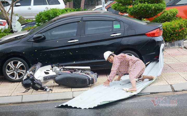 Sau bão số 9, đường phố Đà Nẵng, Quang Nam tan hoang không ngờ-13