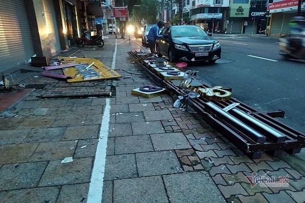 Sau bão số 9, đường phố Đà Nẵng, Quang Nam tan hoang không ngờ-17