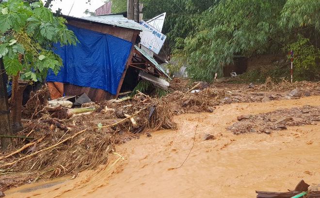 Sạt lở đất ở Quảng Nam vùi lấp 53 người, tìm thấy 11 thi thể-1