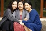 Diva Mỹ Linh chụp ảnh cùng ba thế hệ trong nhà, hé lộ cuộc sống bình yên hiện tại