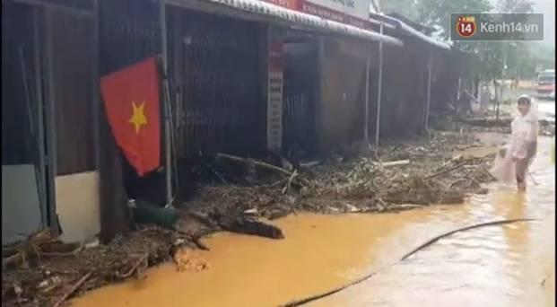 Clip: Những hình ảnh đầu tiên về hiện trường vụ sạt lở khiến 8 người chết ở xã Trà Vân, Nam Trà My-6