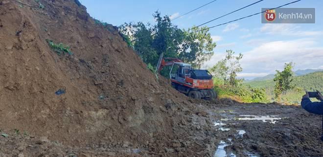 Clip: Những hình ảnh đầu tiên về hiện trường vụ sạt lở khiến 8 người chết ở xã Trà Vân, Nam Trà My-8