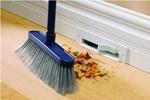 Quét nhà vào 3 thời điểm này là quét sạch tài lộc, gia chủ nhớ kỹ kẻo phạm đại kỵ