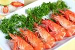 Luộc tôm đừng chỉ cho muối và gừng, thêm 2 nguyên liệu nữa tôm vừa ngon lại thơm