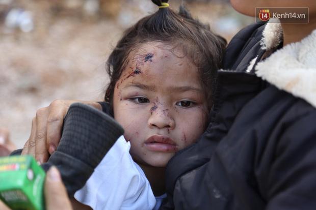 Ảnh: Xót xa những gương mặt trẻ thơ còn hằn nguyên nỗi sợ hãi sau vụ sạt lở đất kinh hoàng ở Trà Leng-4