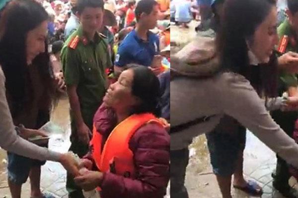 Khoảnh khắc Thủy Tiên vội vàng dúi thêm tiền vào tay người phụ nữ nghèo