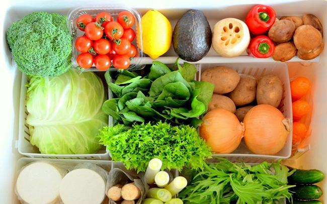 Chỉ với vật dụng quen thuộc này, chị em có thể bảo quản rau củ trong tủ lạnh cả 1 tuần, đảm bảo rau vẫn tươi xanh như vừa mới mua!-1