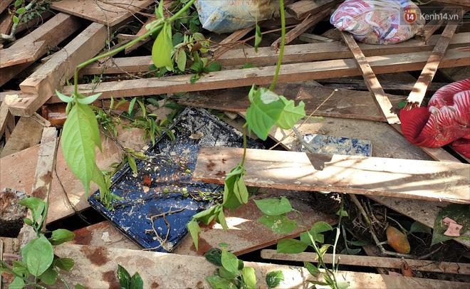 Tang thương bao trùm xóm nhỏ nơi vụ sạt lở khiến cả làng bị vùi lấp: Mẹ mua sữa về, con ở đâu rồi...?-5