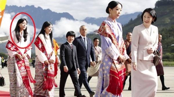 Nàng công chúa vạn người mê của Bhutan từng làm chao đảo MXH bất ngờ lên xe hoa, nhan sắc đôi tân lang tân nương gây chú ý-2