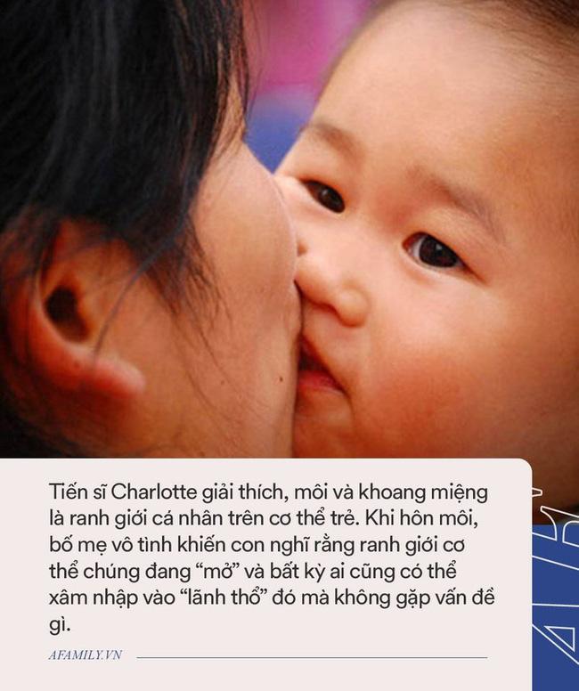 Lê Phương đăng ảnh các con tình cảm, nhiều người vội vào can ngăn bởi hành động có phần nhạy cảm giống bố con nhà Beckham-3