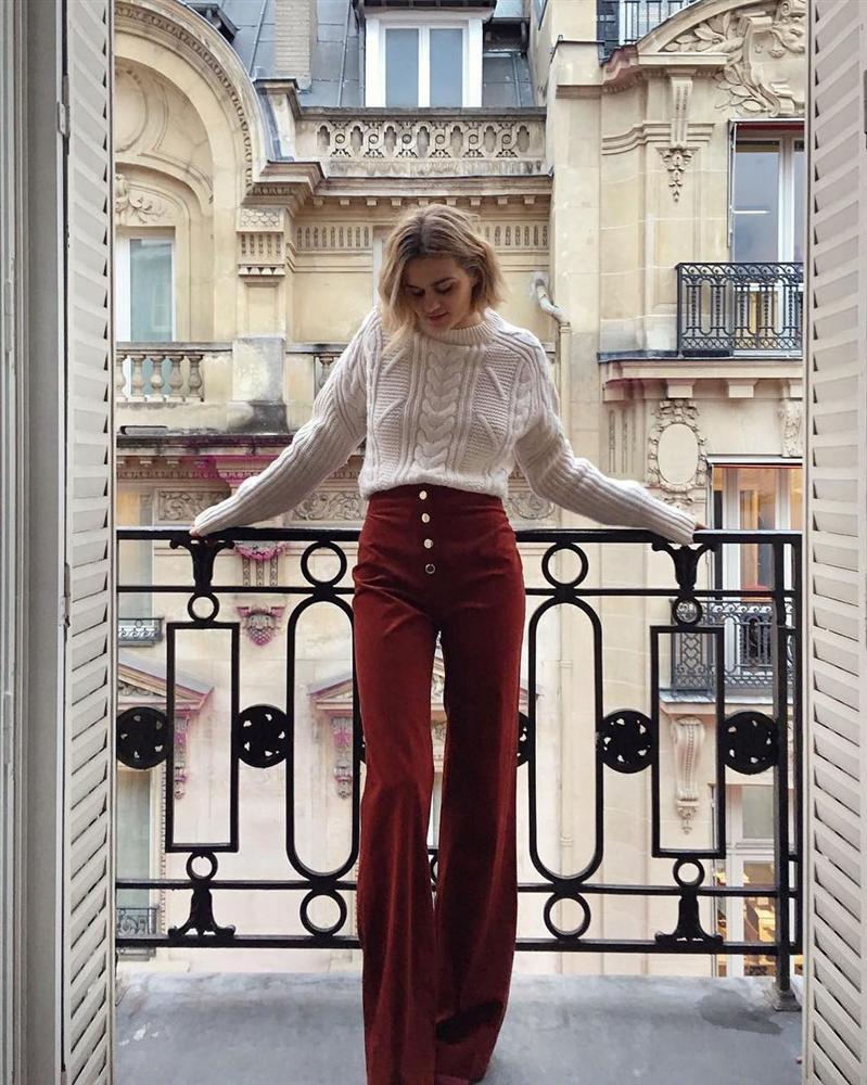 Áo len vặn thừng tái xuất, bỏ bùa gái Hàn đến gái Pháp: Các nàng có ngay 14 set đồ đẹp khỏi bàn với kiểu áo thô ráp này-10