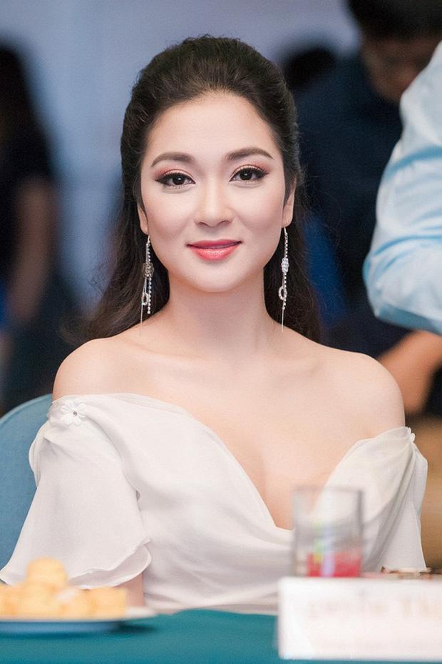 Sao Việt khiến fan nở mũi vì sở hữu học vị danh giá: Hoàng Thùy Linh có ý định học lên Tiến sĩ, Lê Âu Ngân Anh làm Thạc sĩ khi mới 24 tuổi-3