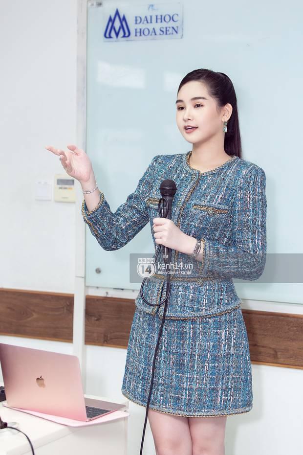 Sao Việt khiến fan nở mũi vì sở hữu học vị danh giá: Hoàng Thùy Linh có ý định học lên Tiến sĩ, Lê Âu Ngân Anh làm Thạc sĩ khi mới 24 tuổi-8
